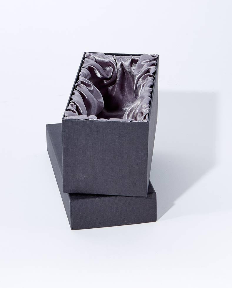 Single Goblet Silk lined Presentation Box - B42